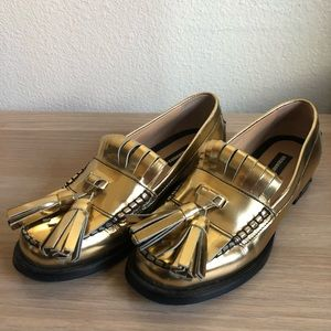 dsquared2 patent gold metallic tassel loafers Sz 5